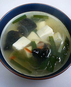 キクラゲと豆腐のスープ